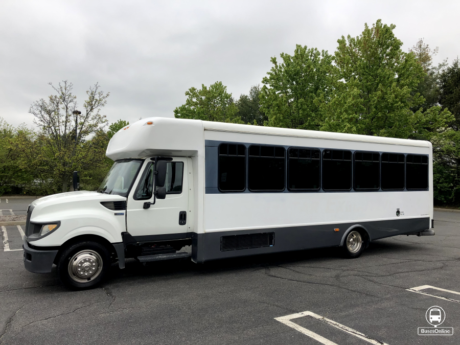International Starcraft Bus For Sale